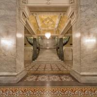 17333 Stairway Columns Med